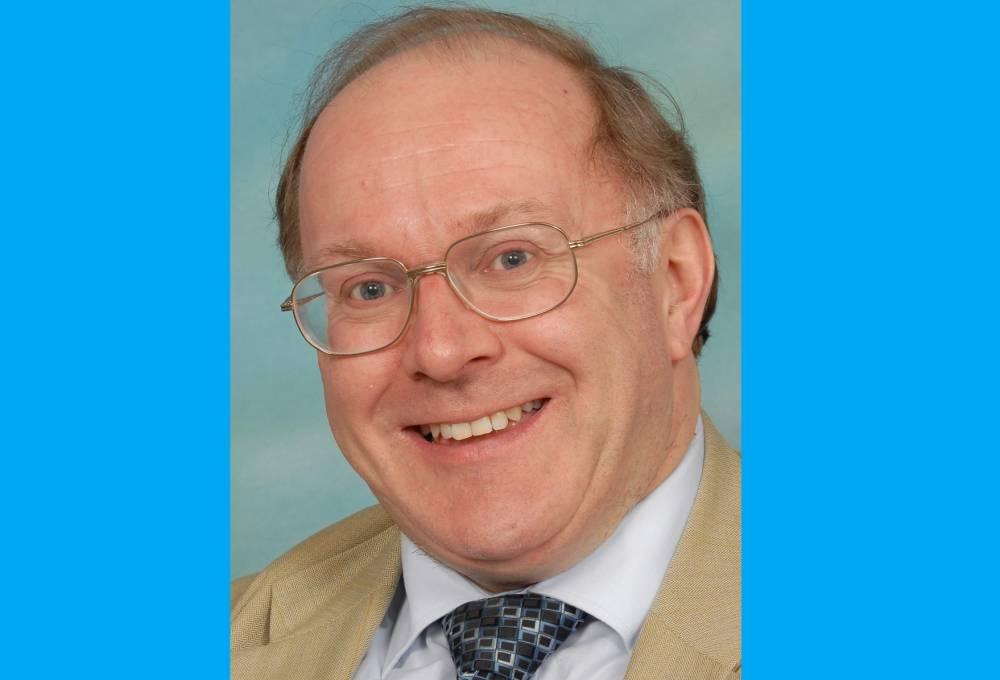 Dr Alan Flowers