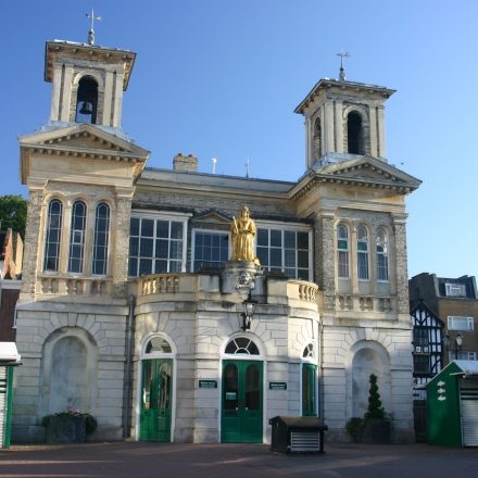 Market House in the centre of Kingston