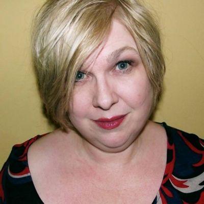 Ms Beth Brewster