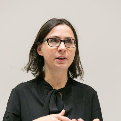 Dr Daniela Perazzo Domm