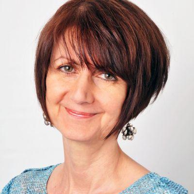 Dr Lesley Ledden