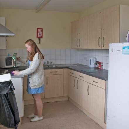 Shared kitchen in Kingston Bridge house