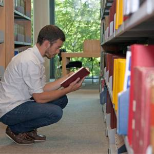 Applications open for AHRC doctoral studentships 2014/15
