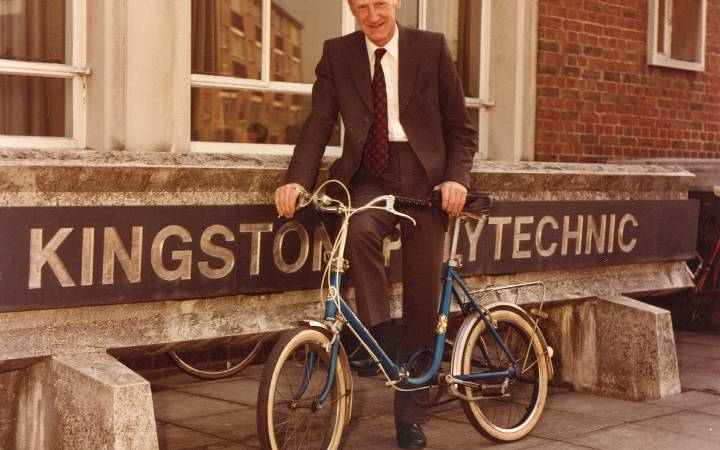 Professor Leonard Lawley, former Kingston Polytechnic director and the institution's first professor, passes away