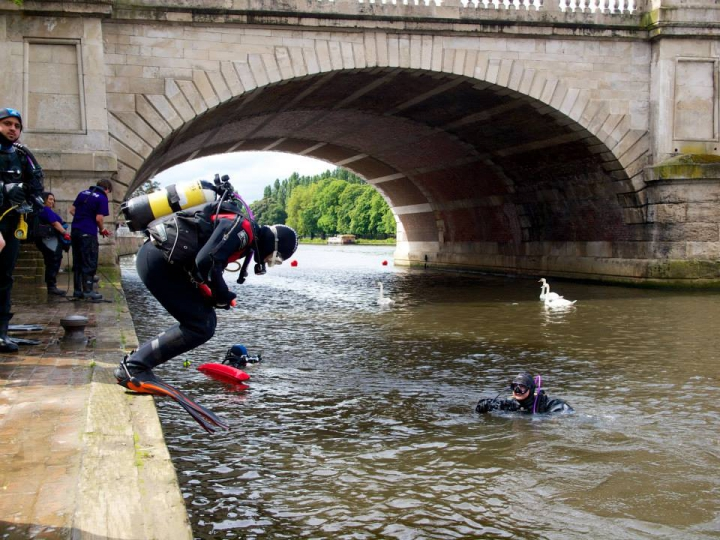 Cleaning up the Thames