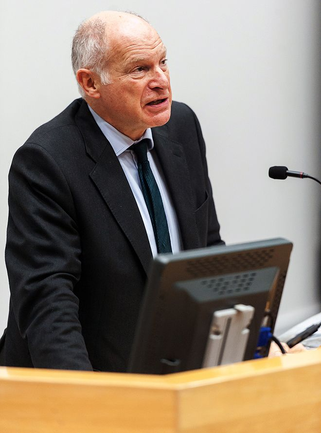 Picture of Lord Neuberger, President of the UK Supreme Court, at 50th anniversary of the Kingston Law School lecture