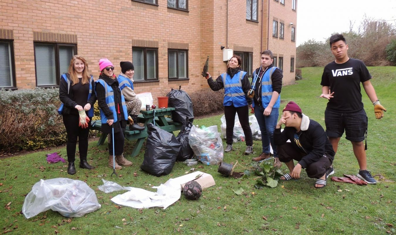 Litter pick at Middle Mills halls grounds