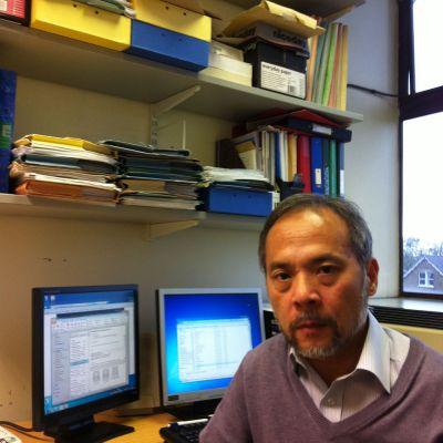 Dr Vincent Lau
