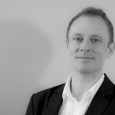 Dr Nicholas Ferguson