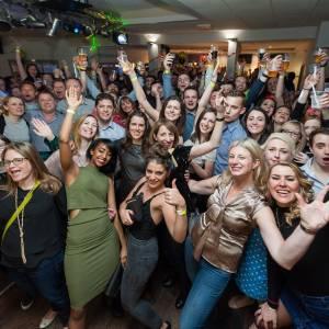 More than 350 Kingston alumni celebrate last orders at the Penrhyn Road bar