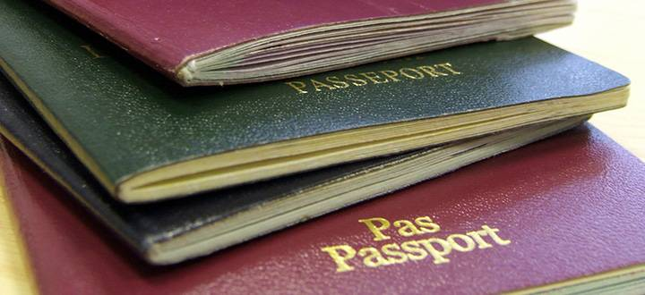 Visas, immigration and CAS