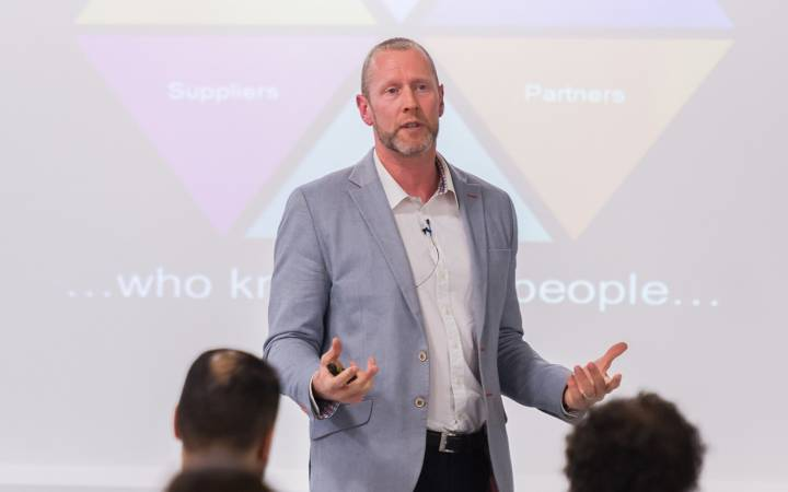Alumni, students and staff 'Upgrade' their LinkedIn skills with Kingston University alumnus Mark Walton