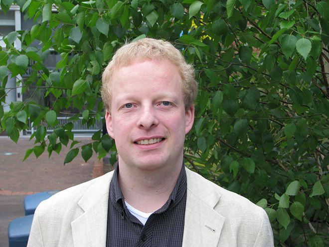 Dr  Robin  Pettitt