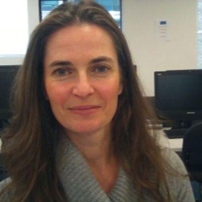 Dr Lisa Collingwood