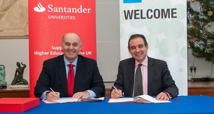 Luis Juste, director Santander Universities UK and vice-chancellor Julius Weinberg