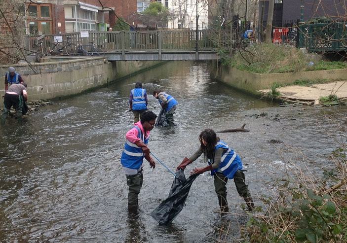 The litter pick involved students, staff and community volunteers.