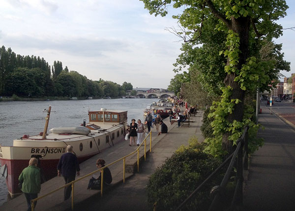 The stunning riverside walk from Surbiton to Kingston